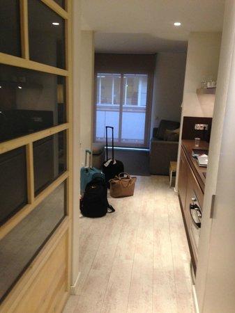 Eric Vökel Boutique Apartments - BCN Suites: Entrance to the Apartment