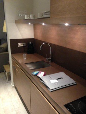 Eric Vökel Boutique Apartments - BCN Suites: Kitchen Area