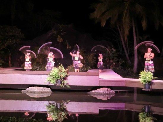 Smith Family Garden Luau: dancers