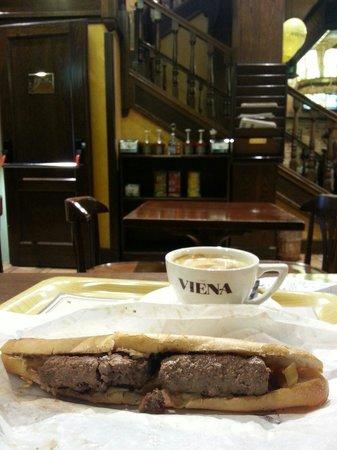 """Cafe Viena Rambles : """"Hamburger patty"""" sandwich"""