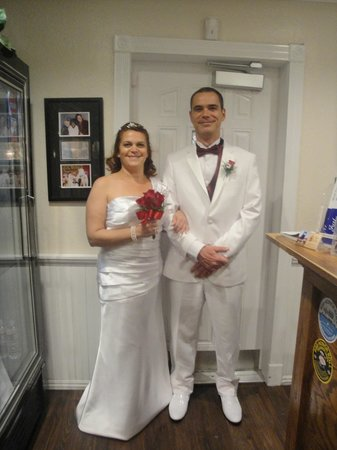 A Storybook Wedding Chapel: Dentro da capela