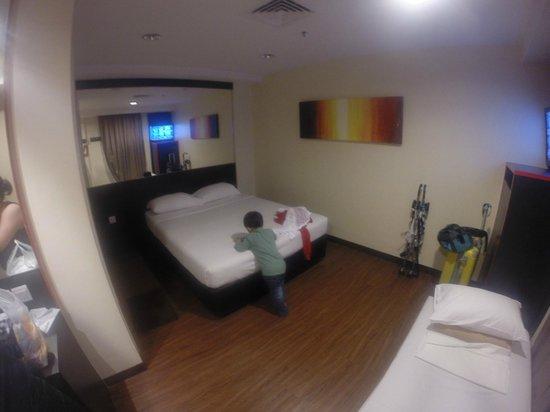 Hotel 81 - Heritage: Triple Bed Room