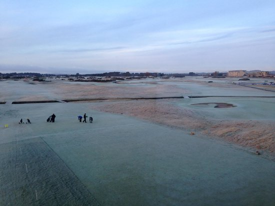 Carnoustie Golf Course Hotel : View of the links from our window on a frosty morning