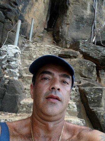 Baia do Sancho: Nas escadas de acesso a Praia do Sancho