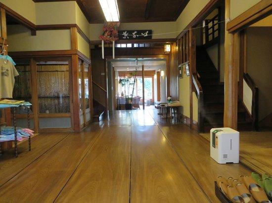K's House Ito Onsen: Lobby/entrance