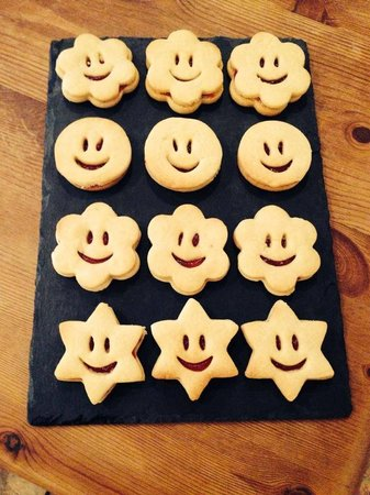 The Nook: Homemade Jammy Dodgers