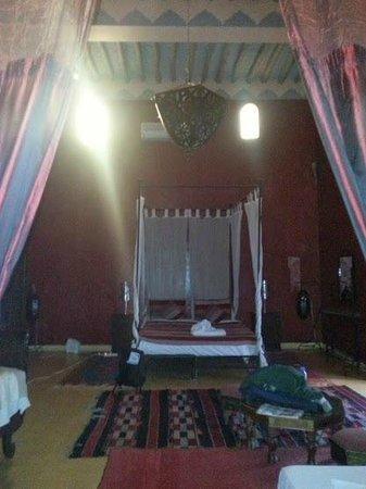 Riad Jomana: bedroom