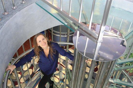 Hotel Kaiserhof: Вид из купола отеля на винтовую лестницу