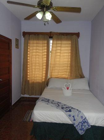 St. Charles Inn : Room 11