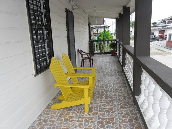 St. Charles Inn : Large Balcony