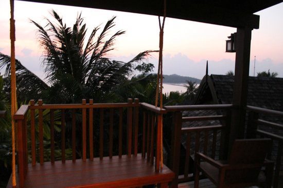 Bhundhari Spa Resort & Villas Samui: Sunrise right from the villas' balcony!