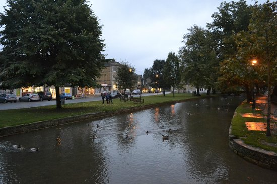 Chester House Hotel : the stream, bourton-on-the-water