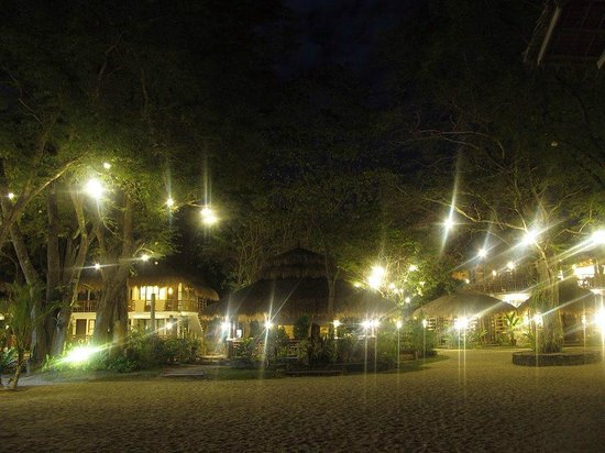 Acuaverde Beach Resort & Hotel: Acuaverde at night