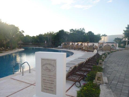 Grand Sirenis Mayan Beach Resort & Spa: pool