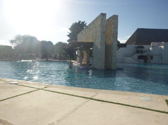 Grand Sirenis Riviera Maya Resort & Spa: pool