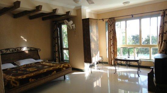 Hotel Shreyas: Room interiors