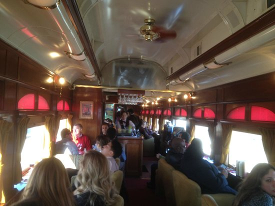 Napa Valley Wine Train: Restaurant car