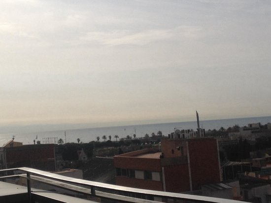 Ilunion Barcelona: Ausblick vom Balkon .. Suite 7stock...