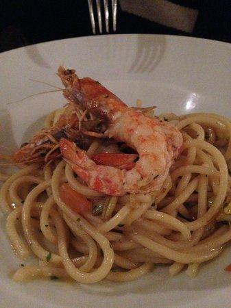 Da Maro: Spaghetto alla chitarra con pomodorini