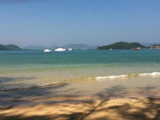 Kantary Bay, Phuket: beach in front of hotel
