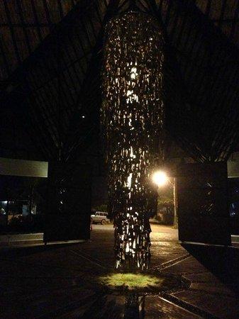 IKIN Margarita Hotel & Spa : Lampara entrada