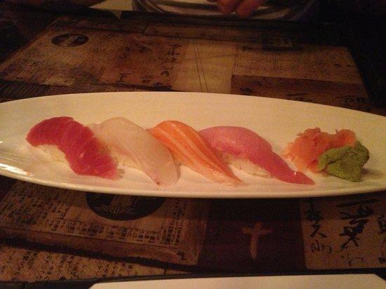Tokyo Fresh: Sushi sampler