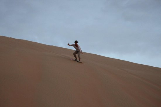 Emirates Tours and Safaris: Sand boarding..