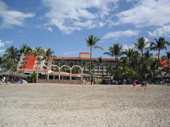 Occidental Nuevo Vallarta : View of Hotel from beach