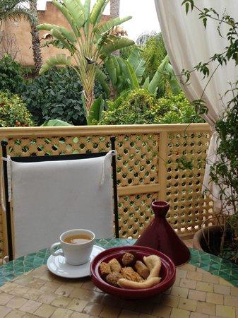 Les Jardins de la Medina: terraza de la habitación