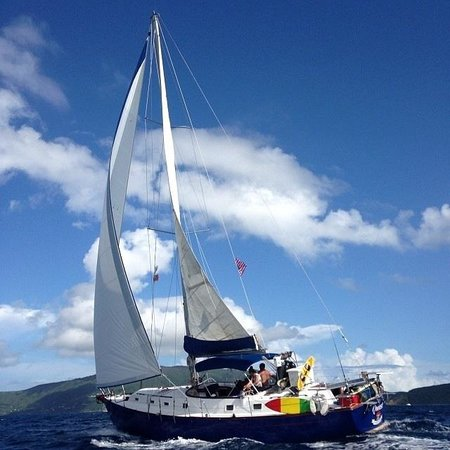 Sail Qwest Charters - Day Tours