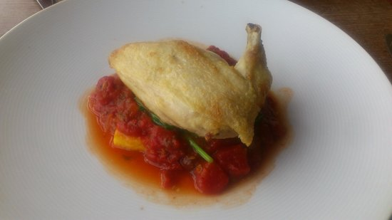 Vallum Tea Room & Ice Cream Parlour: Chicken with Spinach, Tomatoes and Polenta