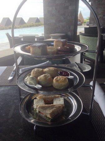 InterContinental Fiji Golf Resort & Spa : Afternoon tea! Yum!!!