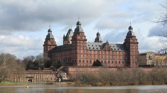 Schloss Johannisburg mit Schlossanlagen: Aschaffenburg, Germany