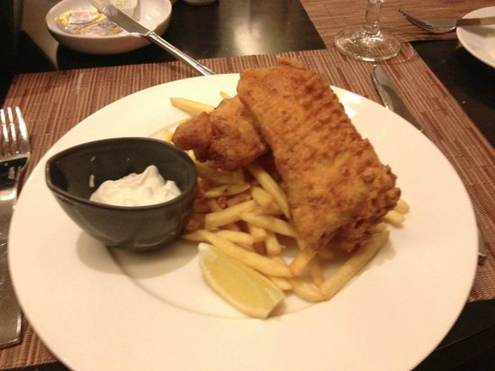 Novotel Suites Dubai Mall of the Emirates: Fish & Chips