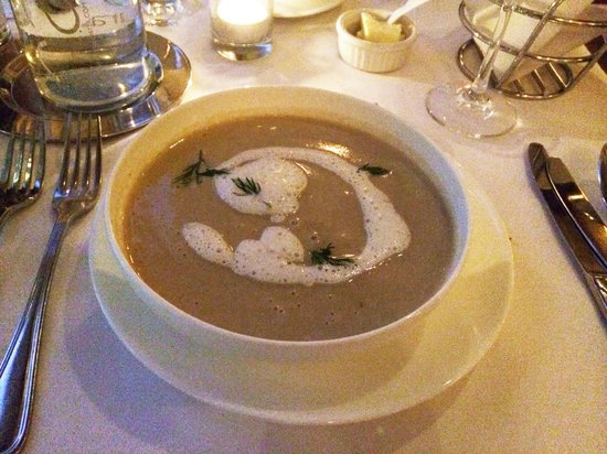 L'Ecole: Sunchoke chowder with scallops