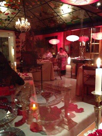 La Mirage Garden Hotel & Spa: Restaurant on Feb 14th