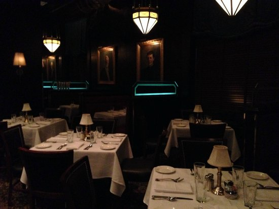 The Capital Grille : Restaurant - 1