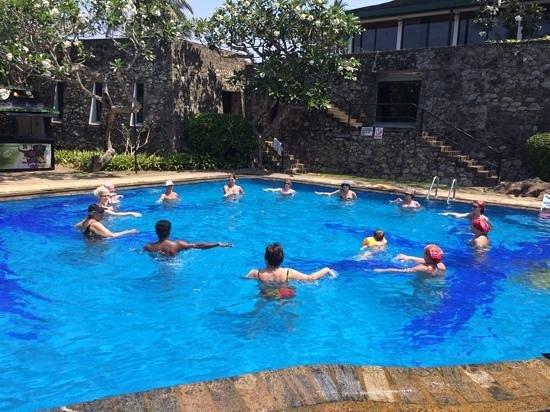 Bentota Beach by Cinnamon: aerobic exercises in the pool