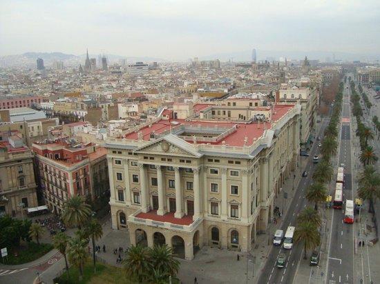 Catalonia Catedral: Вид на улицу Рамбла