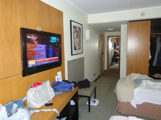 NH Bariloche Edelweiss: Vista de la habitacion