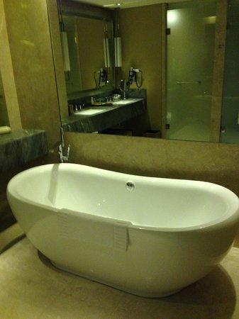 Marina Bay Sands  Bathtub in Premier room. King bed Premier room   Picture of Marina Bay Sands  Singapore