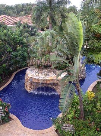 Mayan Princess Beach & Dive Resort: a view of the pool