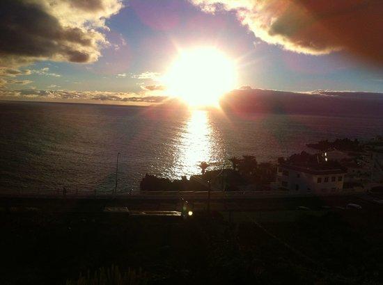 Hotel Bahia Flamingo : Sunset over Gomera