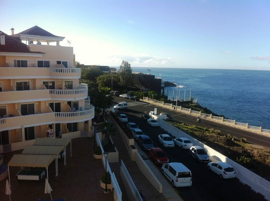 Hotel Bahia Flamingo : looking out from 401