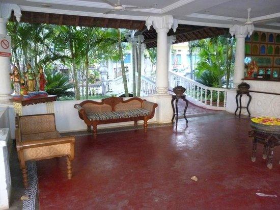 Paradise Resort: reception area