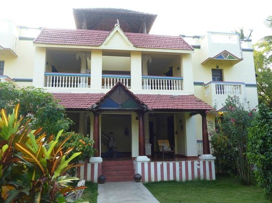 Paradise Resort: House with rooms in