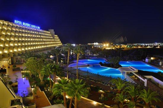 Hotel Beatriz Costa & Spa: Night time view from my balcony.