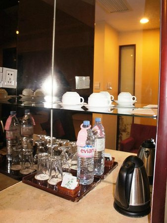 Starway Boutique Tianan Rega Hotel: カップ類