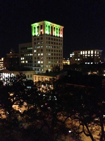 Hyatt Regency Savannah: Night view from roof top deck