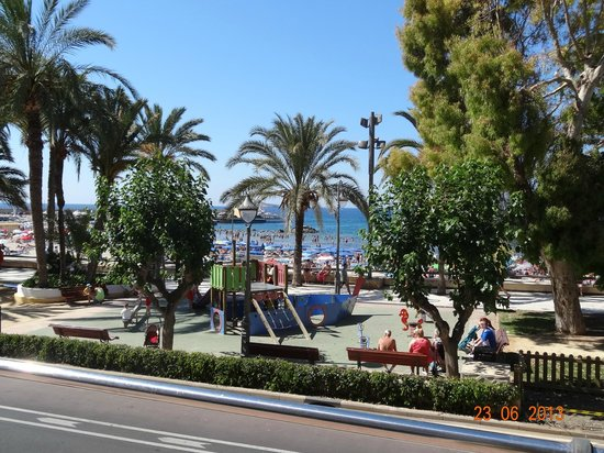 Esmeralda Beach Hotel : вид на парк